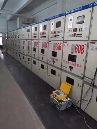 电能质量分析仪测试现场